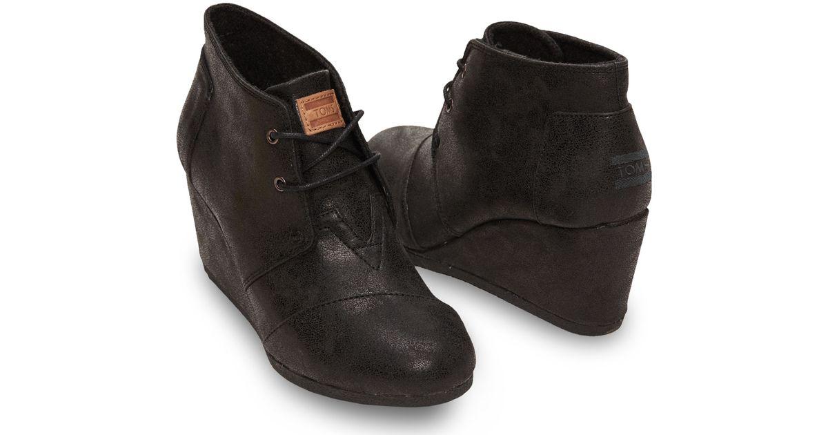 8c613278363 TOMS Black Metallic Synthetic Leather Women'S Desert Wedges