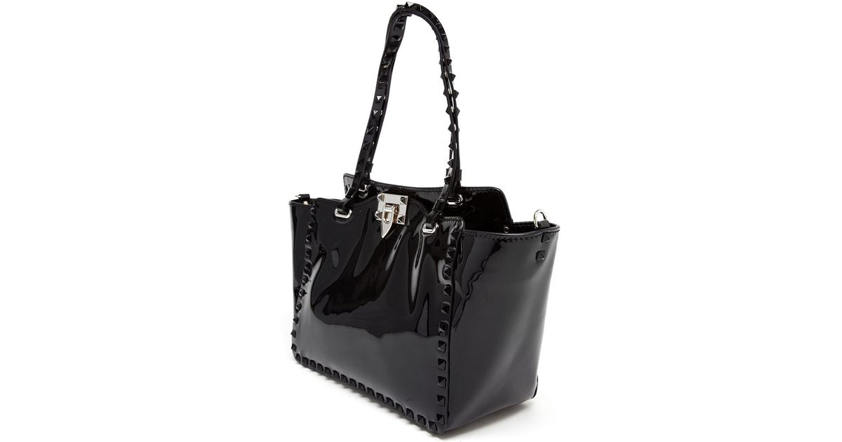 ce9cd3506 Valentino Rockstud Patent Leather Tote Bag in Black - Lyst