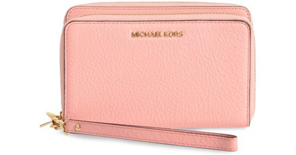 Lyst - MICHAEL Michael Kors  adele  Leather Wristlet in Pink 59fb1e7a03c
