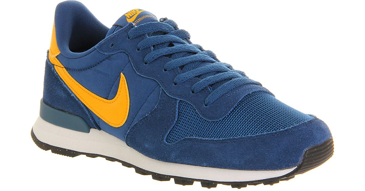 Nike Internationalist Trainers Court