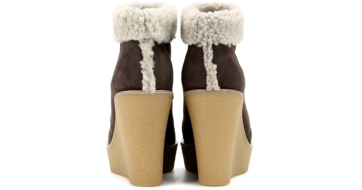0640ec03c4a Chloé Brown Suede And Shearling Wedge Ankle Boots