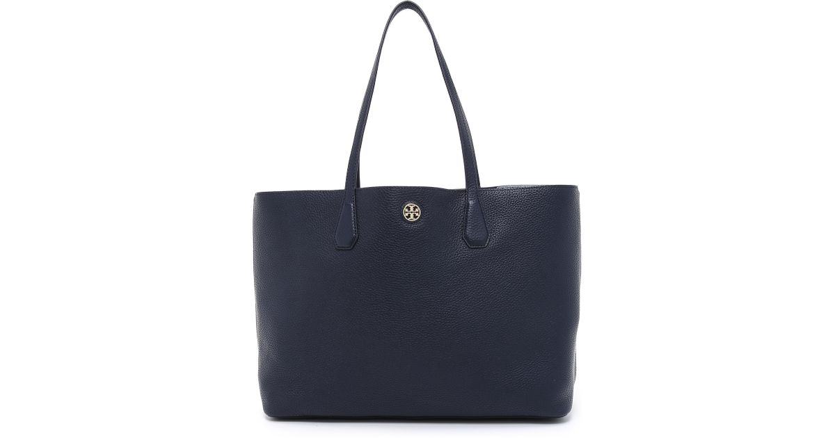 a47c07d9132 Lyst - Tory Burch Perry Tote - Tory Navy in Blue