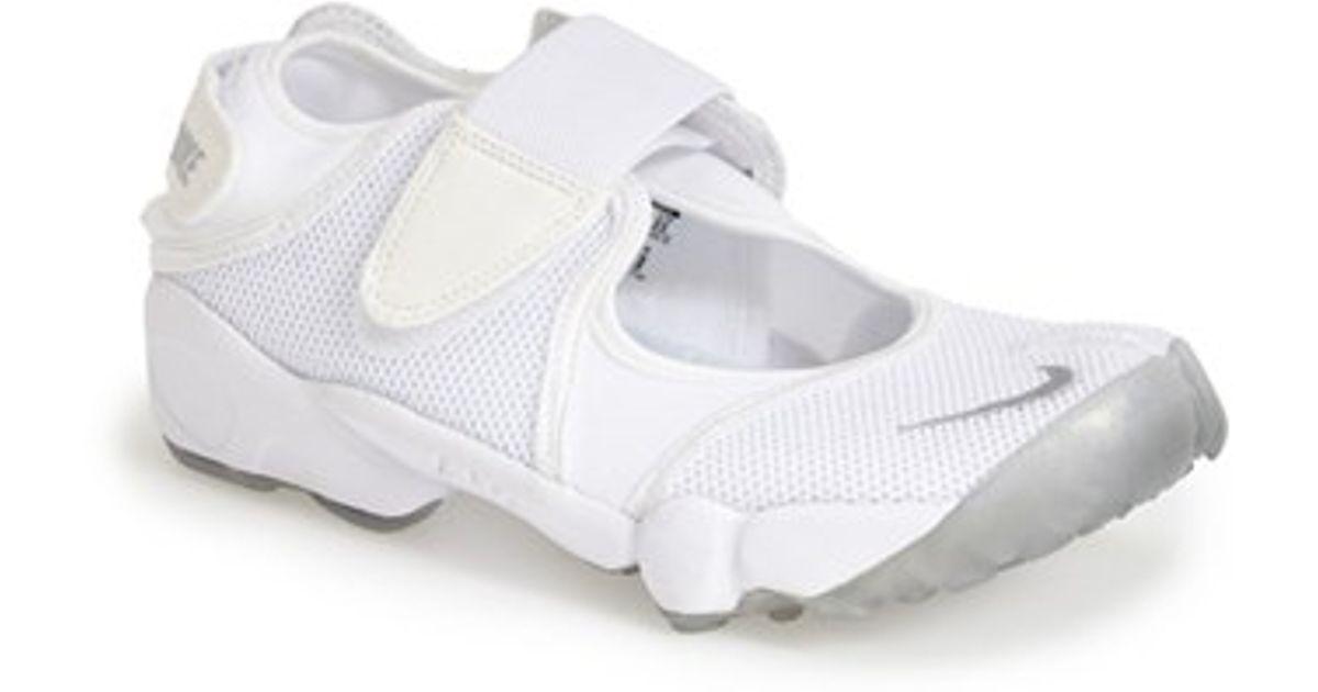 Nike 'air Rift' Sneaker in White/ Grey