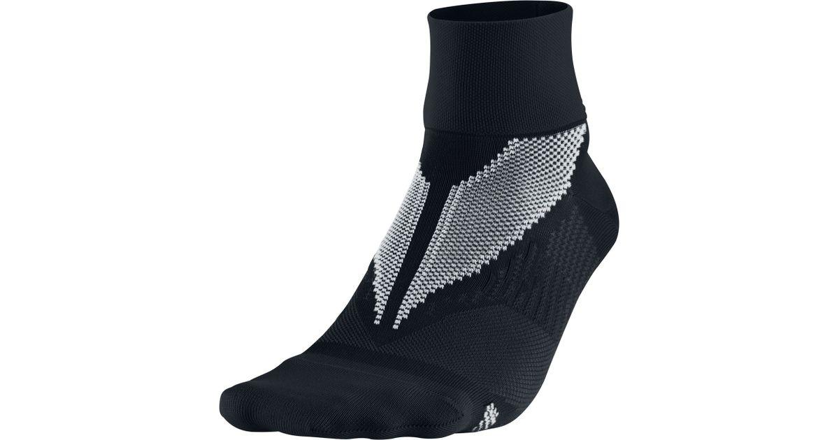Nike Elite Hyper Lite Quarter Running Socks In Black For