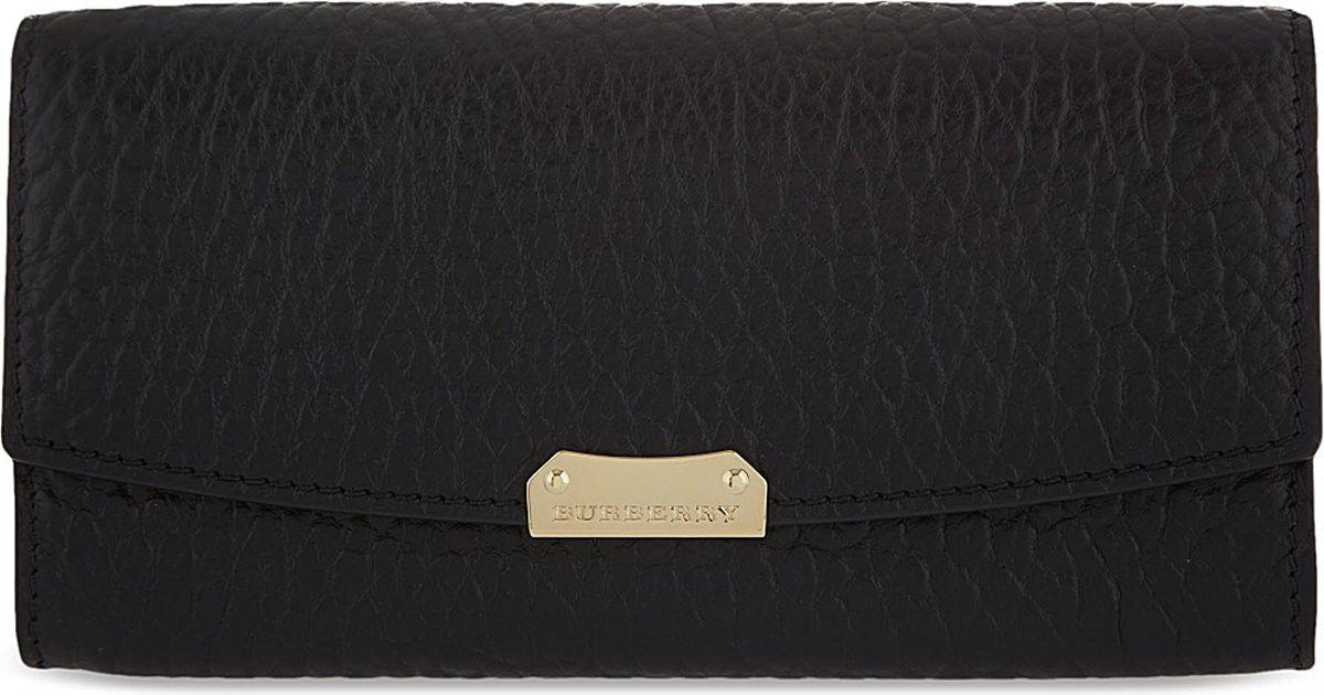 7cdb9602dafc Burberry Porter Continental Wallet - For Women in Black - Lyst