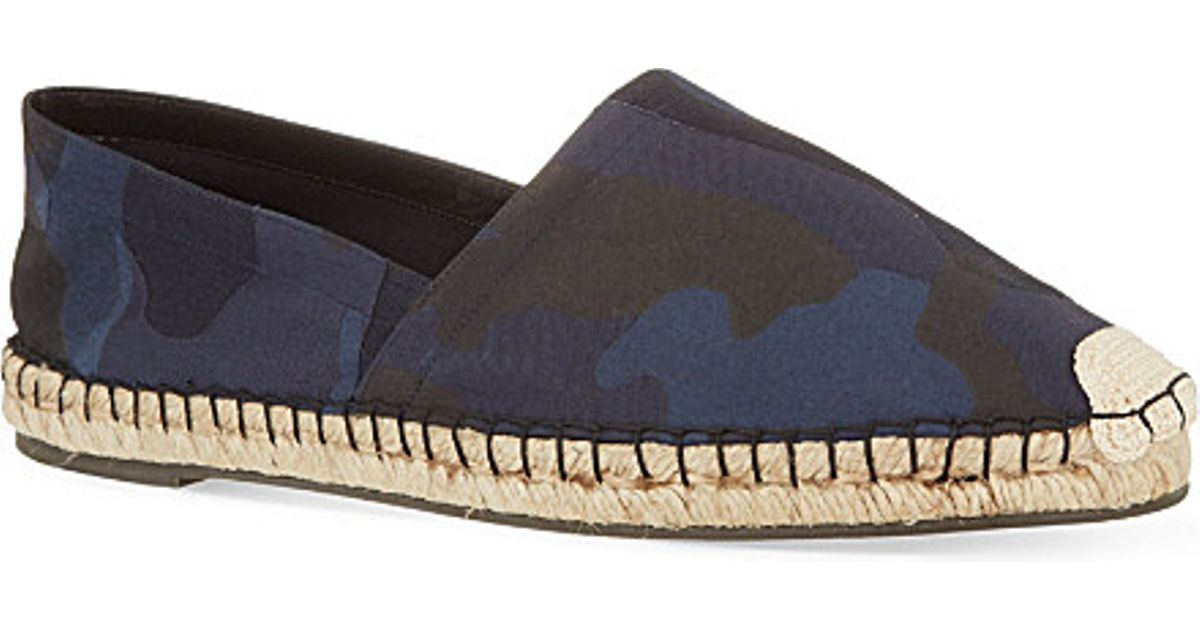 05a40742b3602 Valentino Camouflage Espadrilles in Blue for Men - Lyst