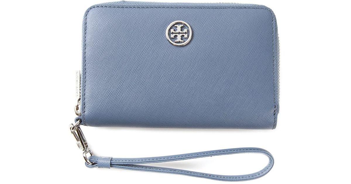 89b03750f18 Lyst - Tory Burch  Robinson  Smartphone Wristlet in Blue
