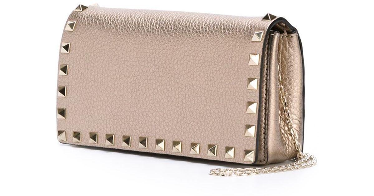 Metallic Rockstud Pouch Bag in Silver Grained Metallic Calf Valentino tr3e4MPD6