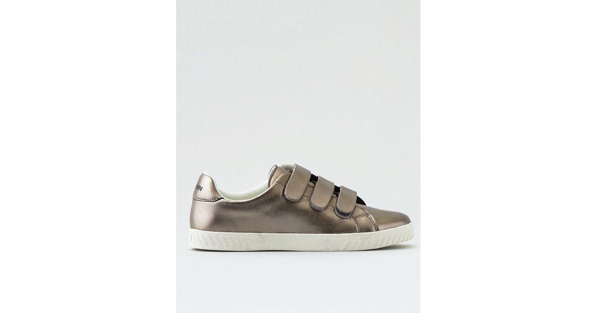 da32452fa9435 American Eagle Gray Tretorn Carry2 Sneaker