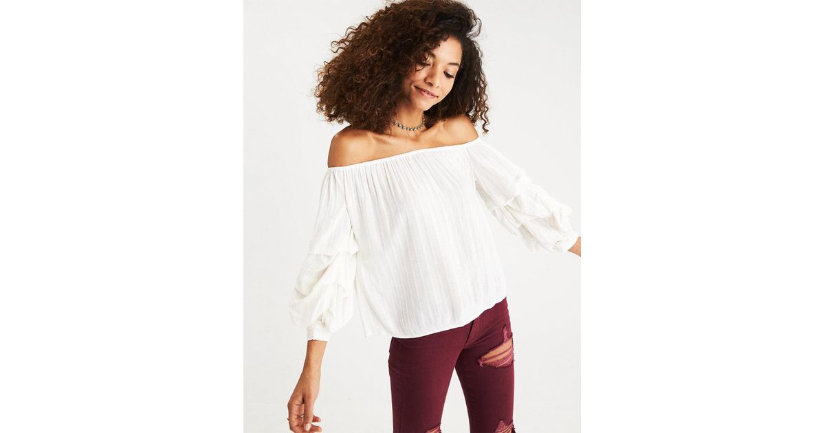9824f200726 American Eagle Off-the-shoulder Tiered Puff Sleeve Top in White - Lyst