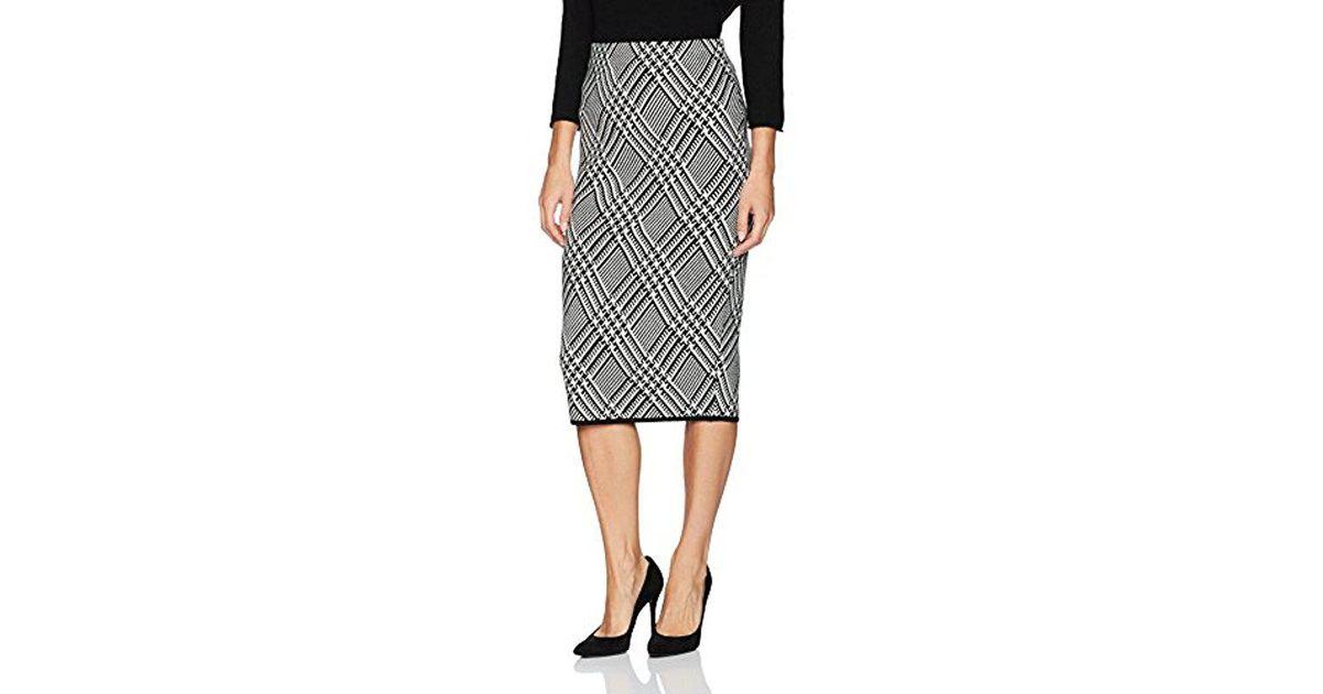 160c7c0321a4 Trina Turk Robertson Wool Knit Plaid Skirt in Black - Save 47% - Lyst