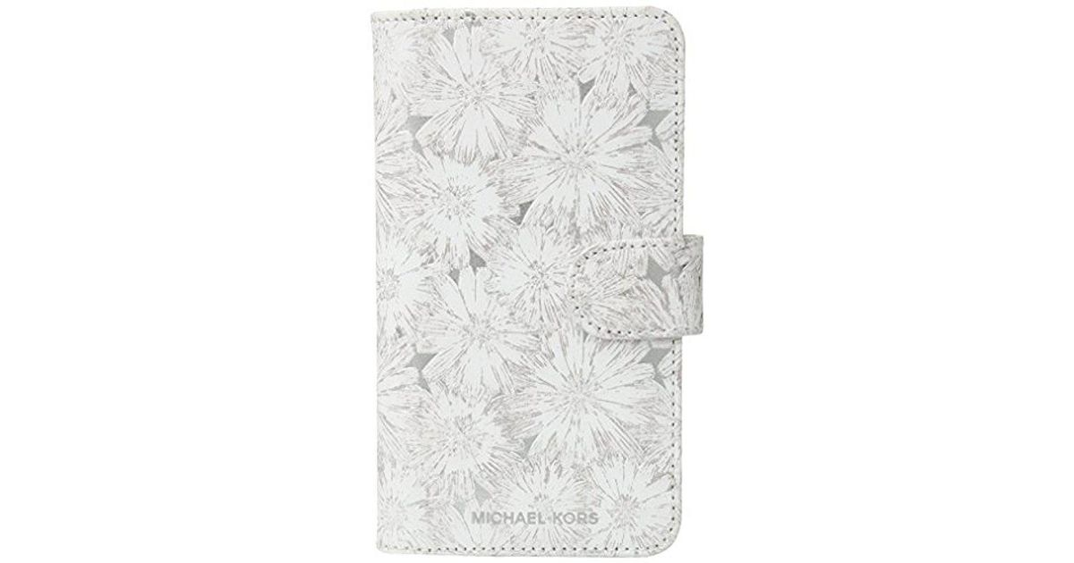 1441e22fe982 Lyst - Michael Kors Flower Metallic Phone Cover With Pocket 8 - Save 17%