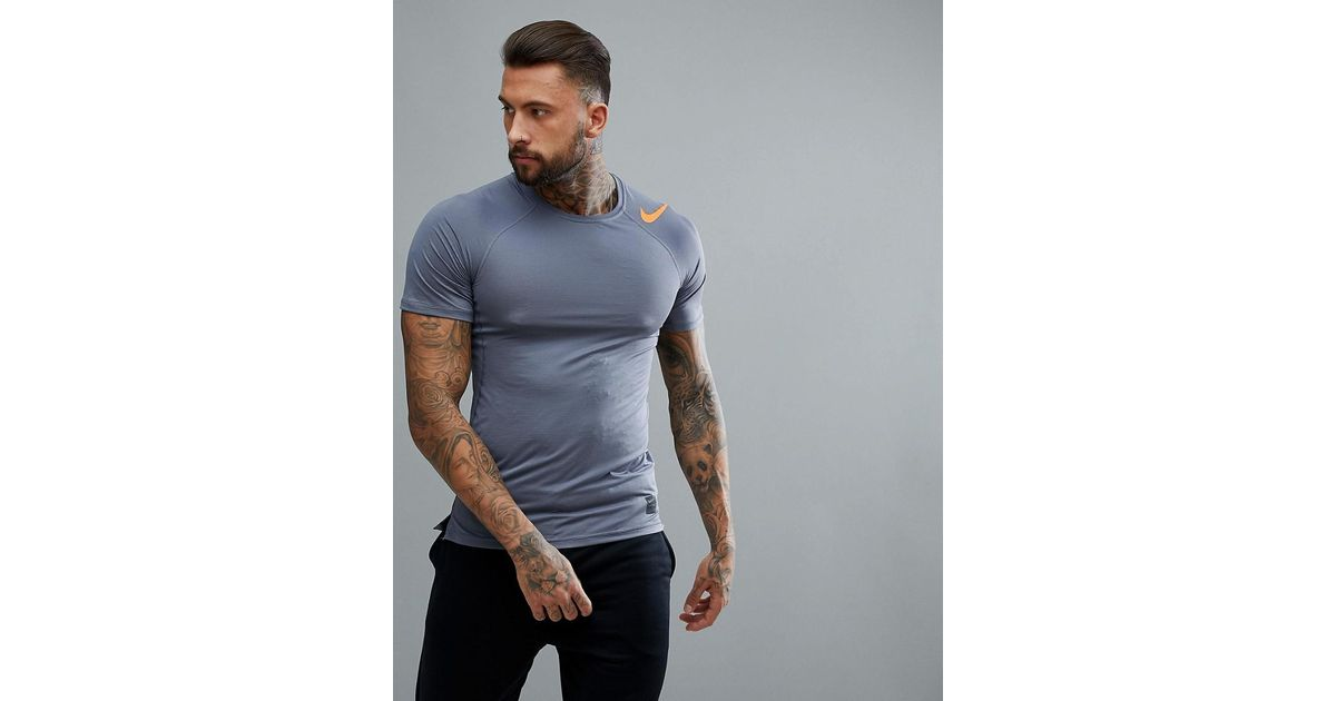 5789a8520 Nike Hypercool Fitted T-shirt In Grey 887109-011 in Gray for Men - Lyst