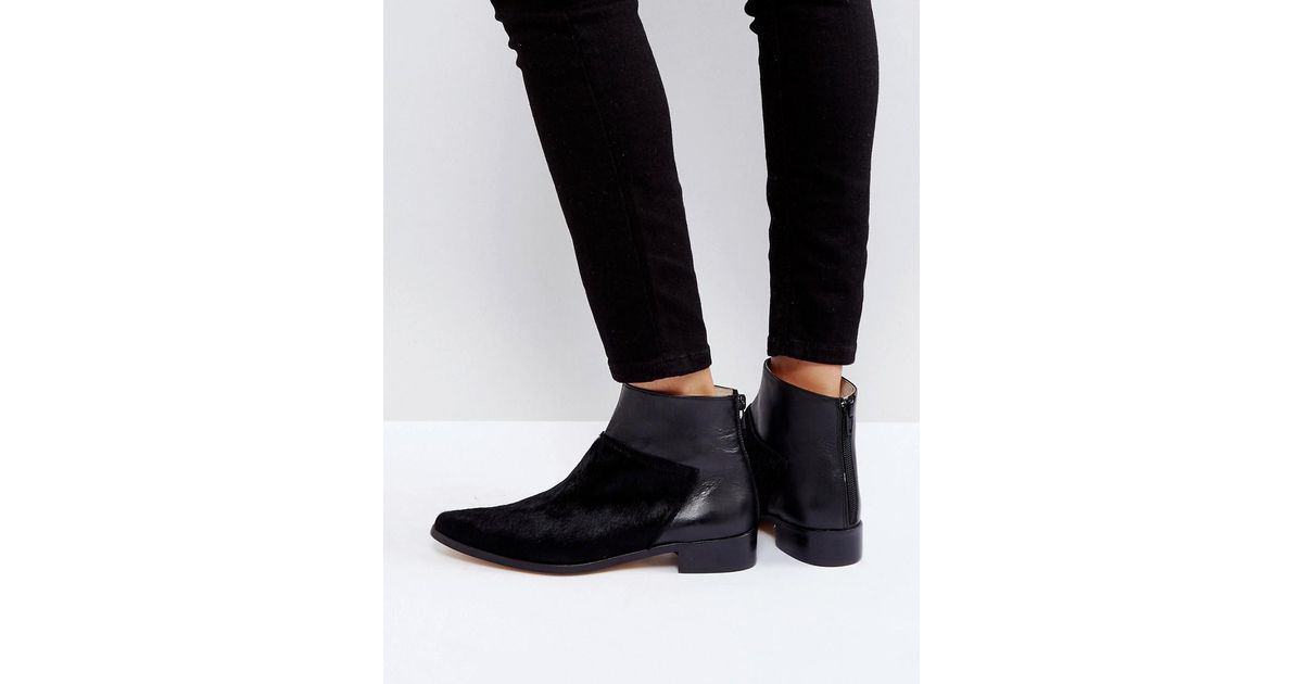 cbcf253f2a731 INTENTIONALLY ______ Dallas Black Leather Flat Ankle Boots in Black - Lyst
