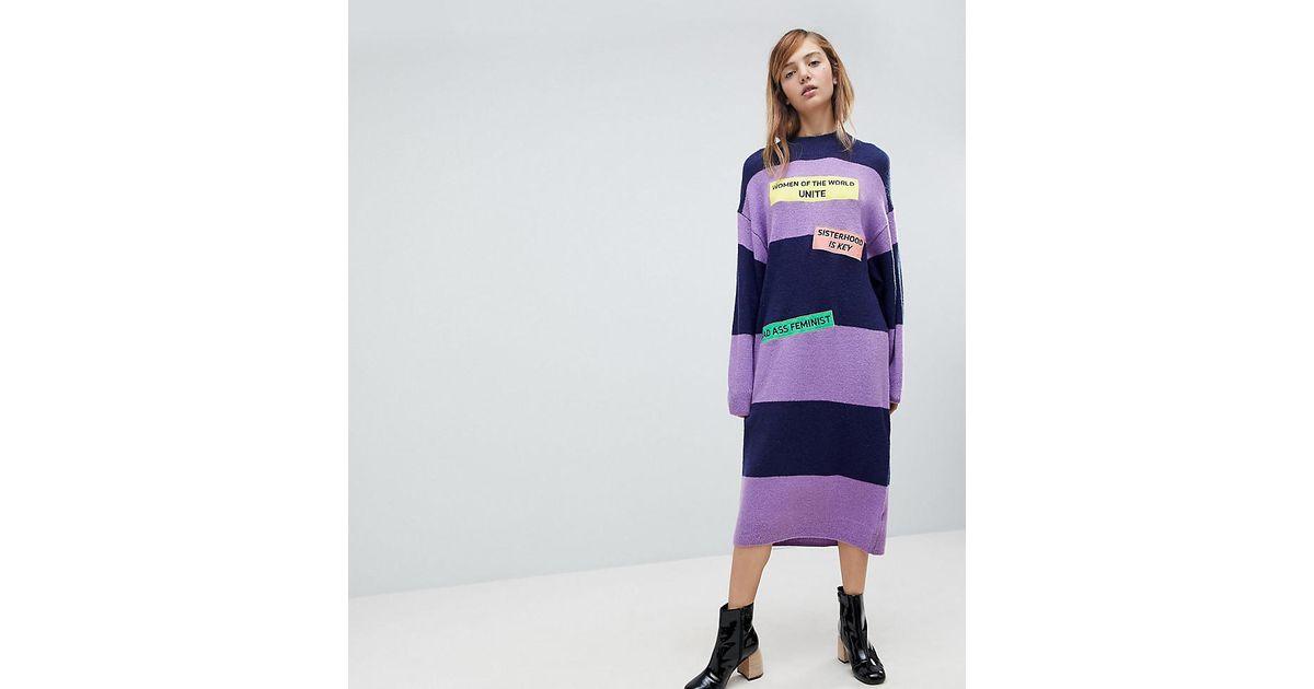 style actuel en soldes super service Robe pull rayures et slogan Women Unite Monki en coloris Purple
