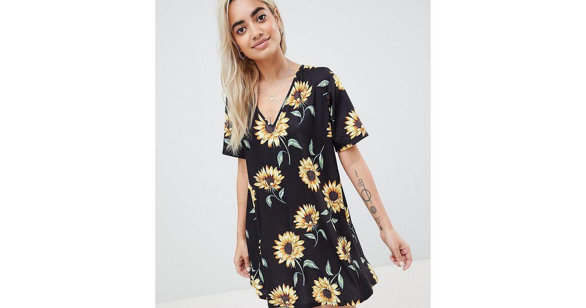 874df558617 ASOS Asos Design Petite Sunflower Print V Neck Swing Dress - Lyst