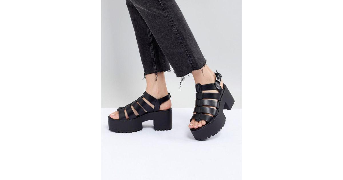 ee53f6ba279 Pull Bear Multi Strap Block Heel In Black in Black - Lyst