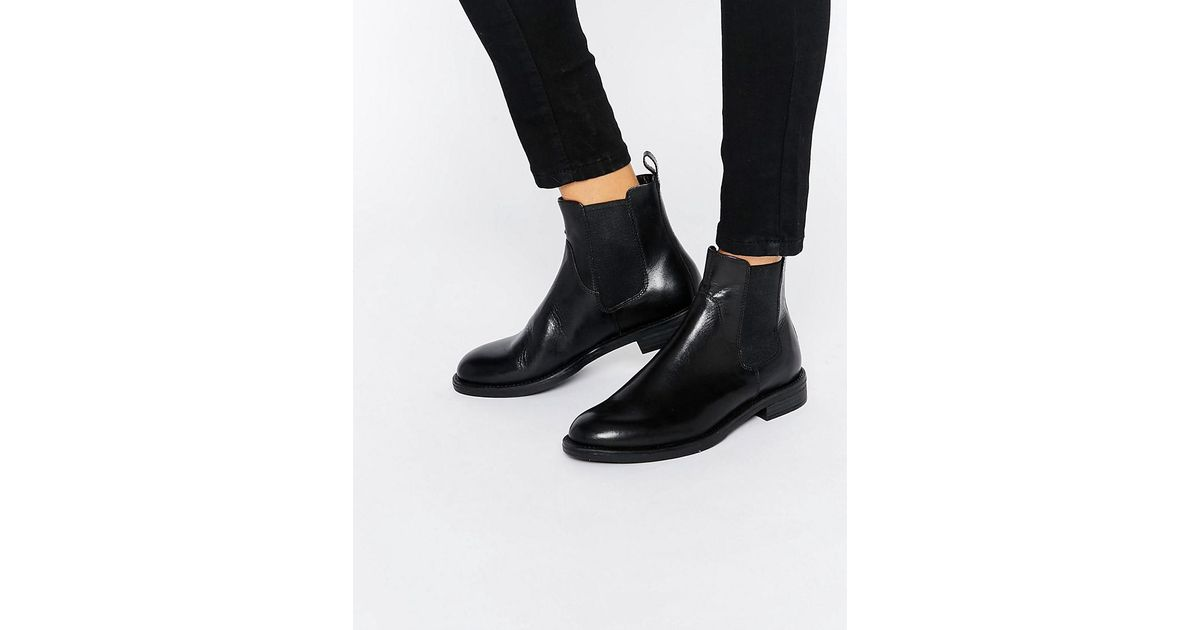 e2379bcb060f74 Lyst - Vagabond Amina Black Leather Chelsea Boots in Black
