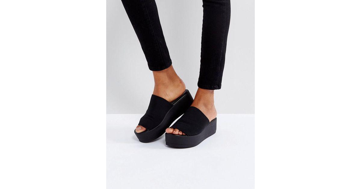 8cd05629951 Steve Madden Slinky Black Chunky Flatform Sandals