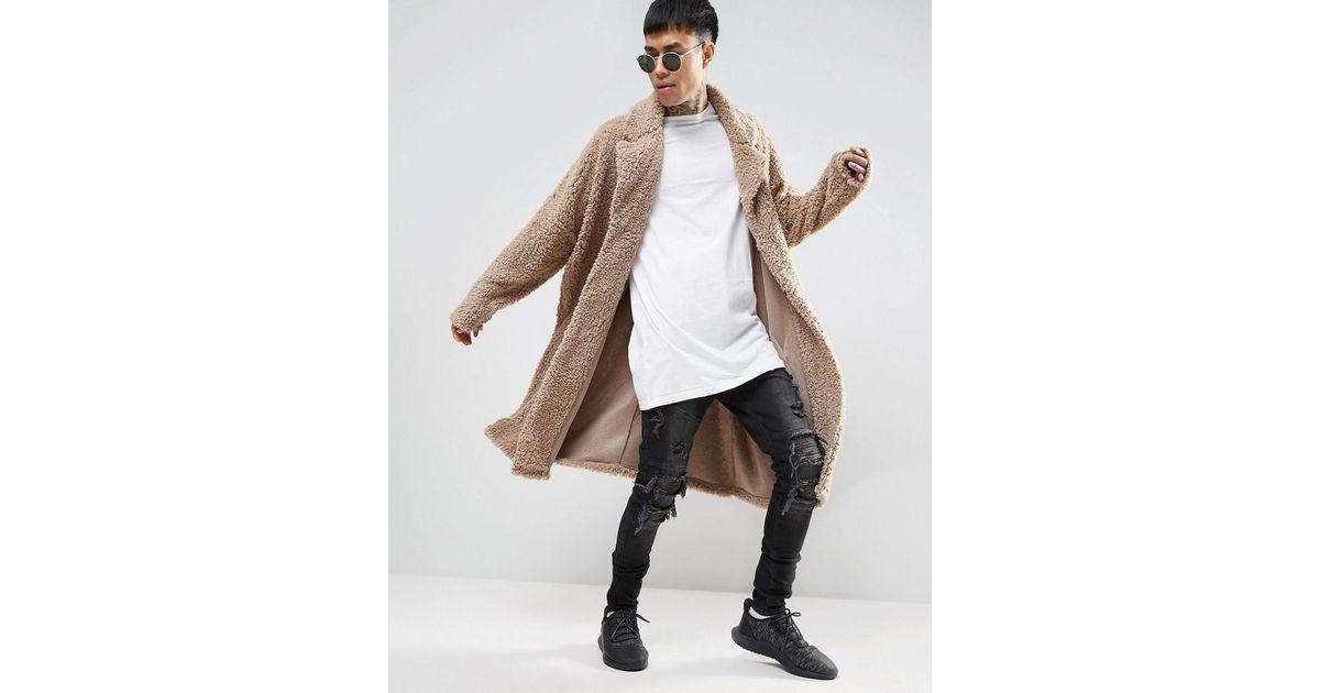 2019 original très convoité gamme de les plus récents Manteau long ultra oversize en imitation peau de mouton ASOS pour homme en  coloris Natural