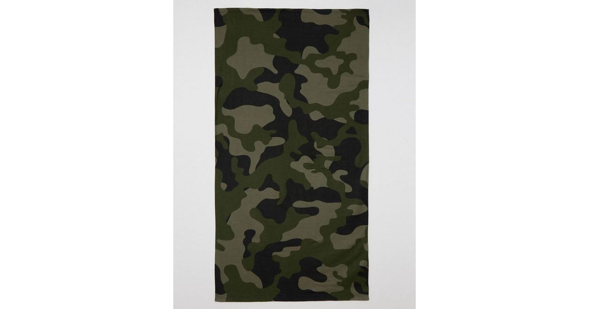 asos beach towel with camo print in green for men lyst