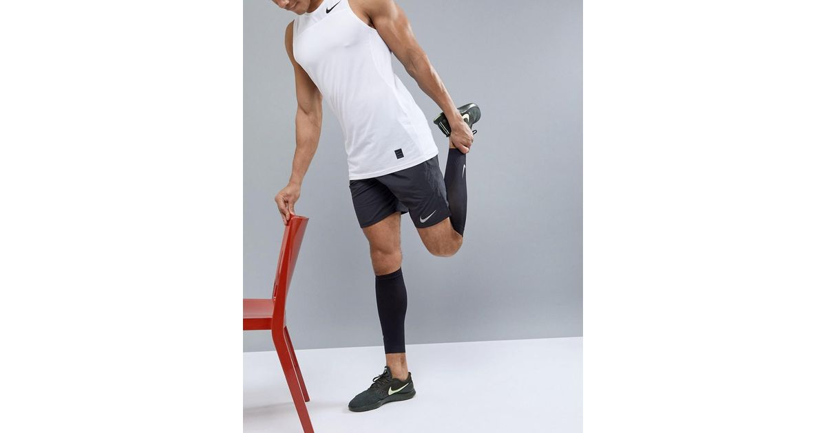 daa164caf0 Nike Running Zoned Support Calf Sleeves In Black N.rs.e5.042 in Black for  Men - Lyst