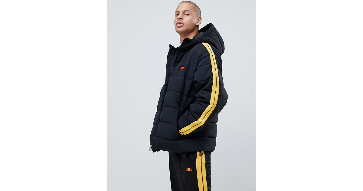 84bdb6273 Ellesse Spinello Puffer Jacket With Sleeve Stripe In Black in Black for Men  - Lyst