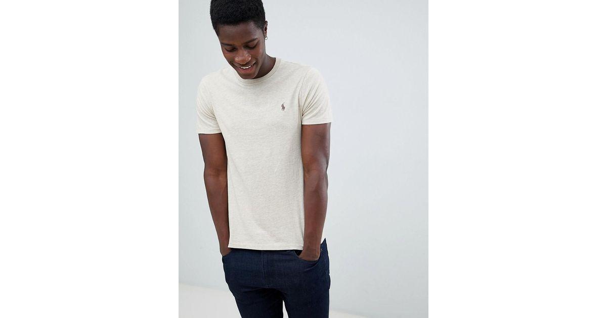 buy popular f9445 9f01b Polo Ralph Lauren Schmal geschnittenes T-Shirt mit Polospieler-Logo in  Beige meliert in Natural für Herren