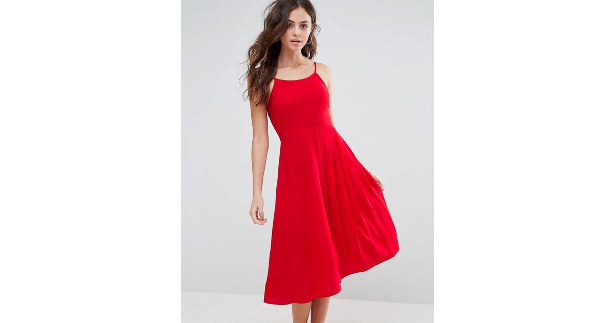 debbe7686704 Boohoo Pleat Detail Midi Skater Dress in Red - Lyst