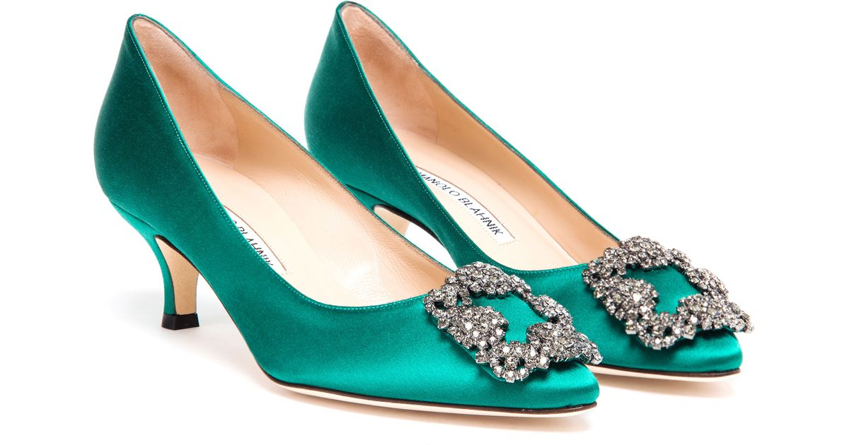 6091a94f054 Lyst - Manolo Blahnik Hangisi Embellished Satin Mid-Pumps in Green
