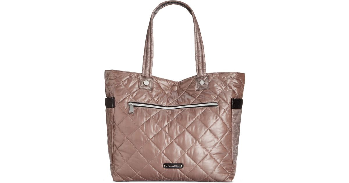 Calvin Klein Cire Reversible Extra Large Quilted Nylon
