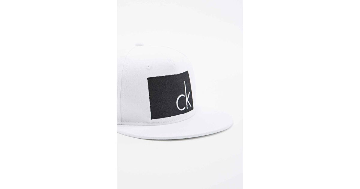 0b2370eb Calvin Klein Arlo Snapback Cap In White And Black in White for Men - Lyst