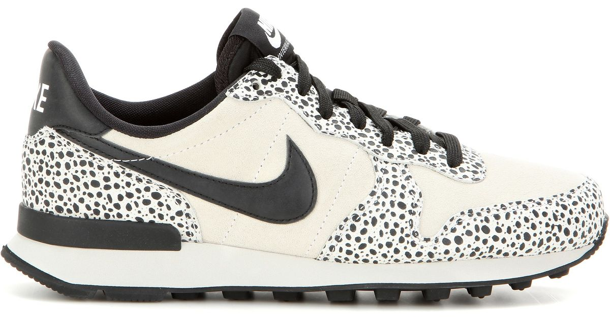 nike internationalist animal print
