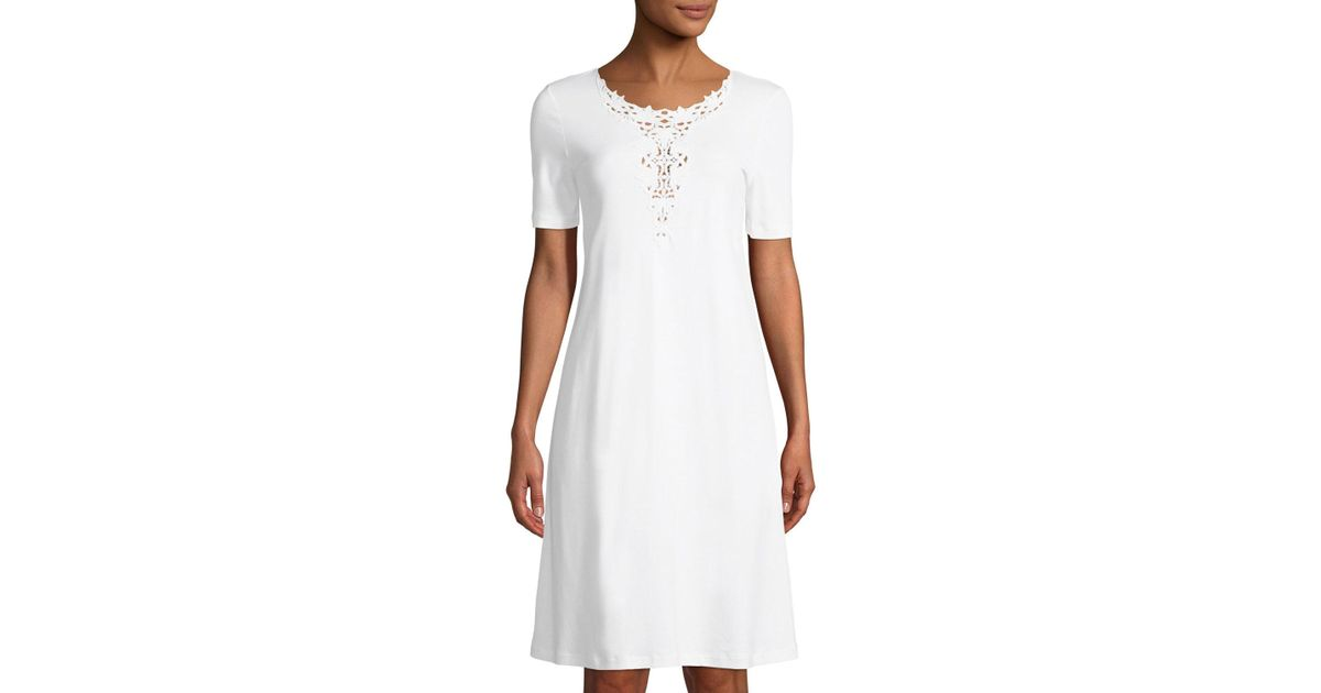 c34ef3c0e2 Lyst - Hanro Jasmin Short-sleeve Nightgown With 3d Floral Embroidery in  White