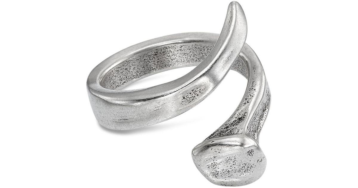 Uno De 50 Twisted Nail Ring In Silver Lyst