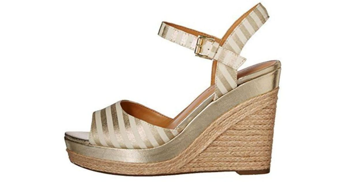 4d1971e1 Lyst - Tommy Hilfiger Womens Kali3 Peep Toe Casual Platform Sandals in  Metallic
