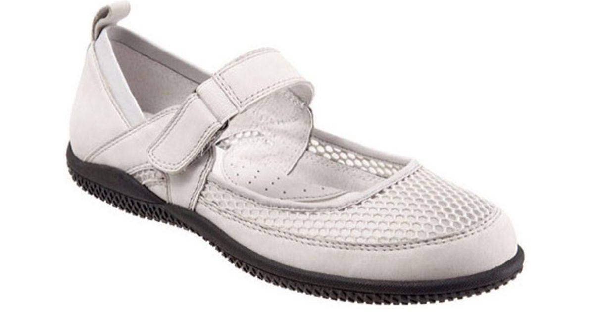 SoftWalk Haddley Mesh Mary Janes N8ClMMt