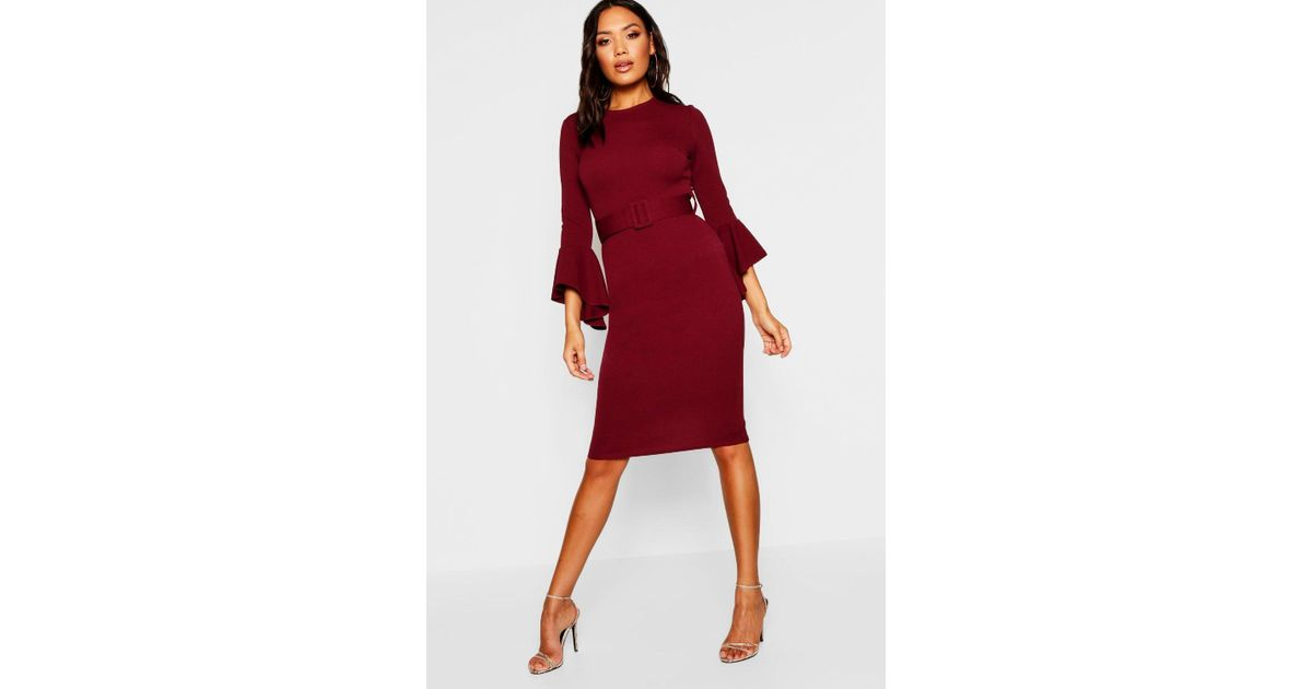 db6548a3dc68 Boohoo Flared Sleeve Belted Midi Dress in Red - Lyst
