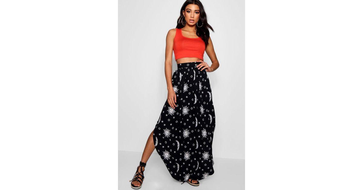 78674b858199a Boohoo Woven Moon Print Split Maxi Skirt in Black - Lyst