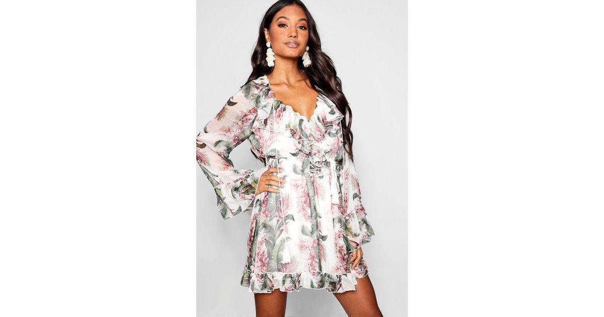 a2fc00315a04 Lyst - Boohoo Floral Print Flared Sleeve Frill Skater Dress