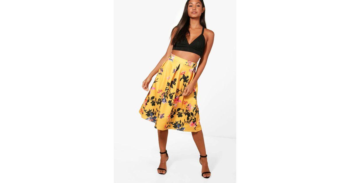 c026f358e1 Boohoo Valentina Floral Full Box Pleat Midi Skirt in Yellow - Lyst