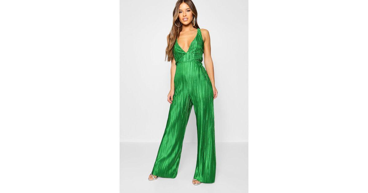 df2216a704b Boohoo Petite Deep Plunge Plisse Jumpsuit in Green - Lyst