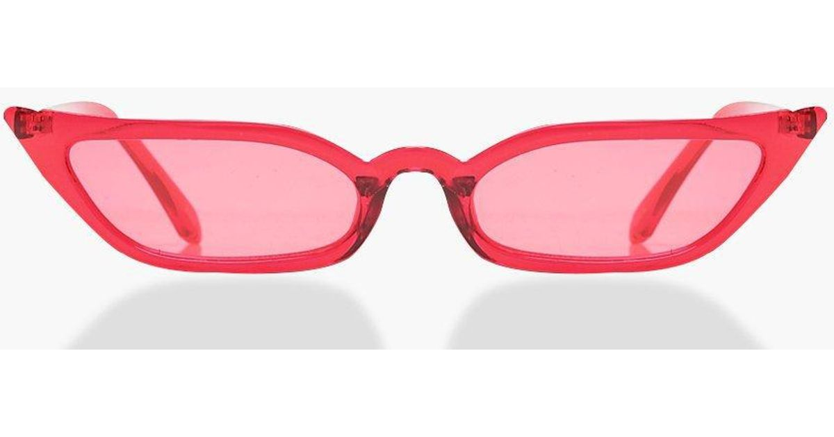 3321e464f5e1 Boohoo Red Winged Skinny Cat Eye Sunglasses in Red - Lyst