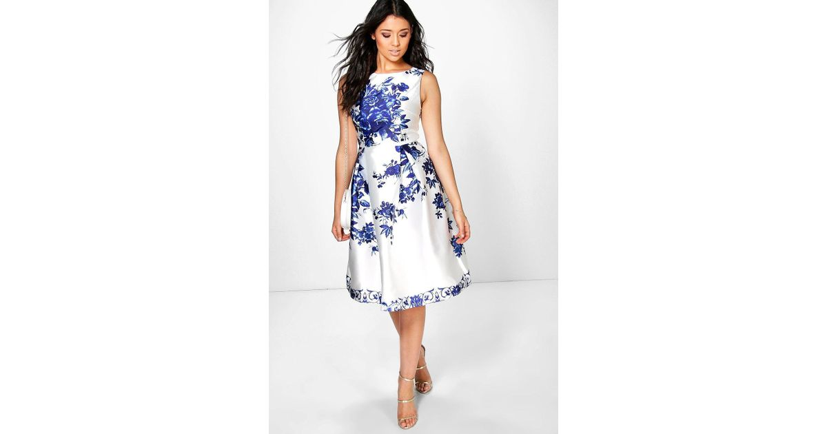 Lyst boohoo boutique dora porcelain print sateen skater dress in white.  Nancy Floral Strappy Midi ... e2d117139