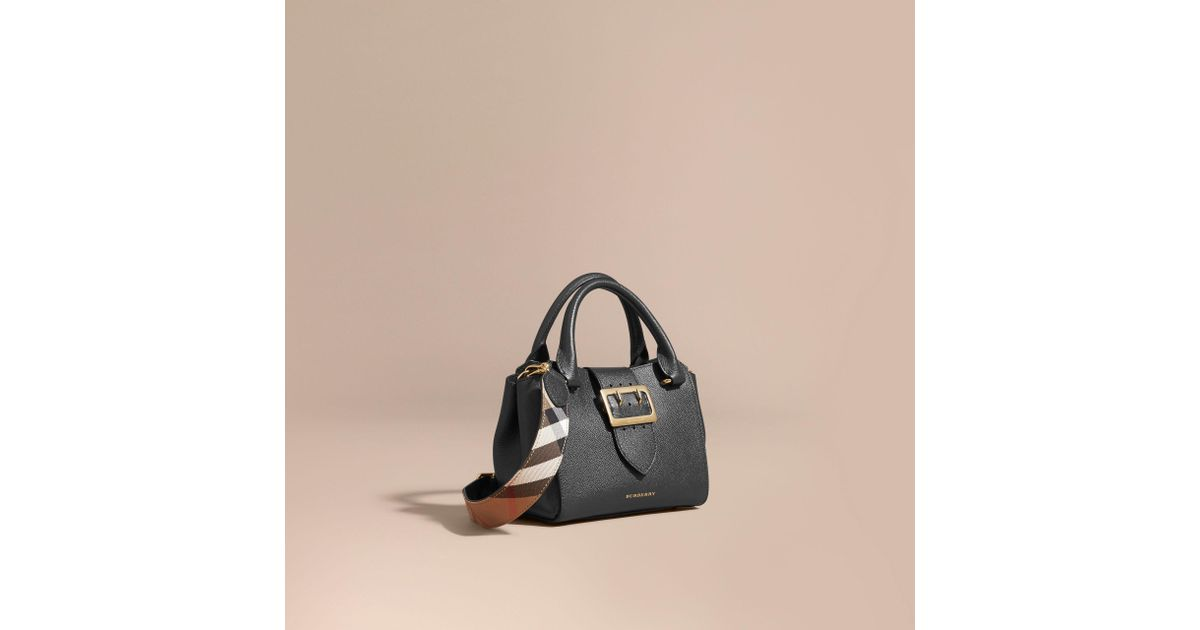 Women's The Small Buckle Tote In Grainy Leather Black