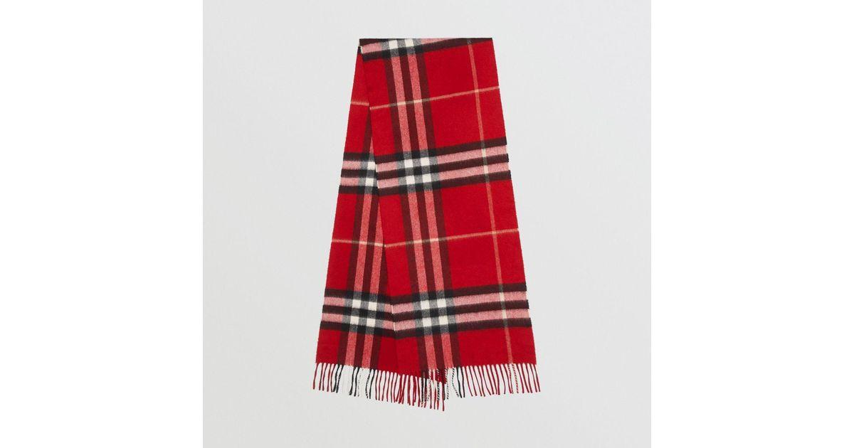 c03540279f24a Lyst - Écharpe en cachemire à motif check classique Burberry en coloris  Rouge