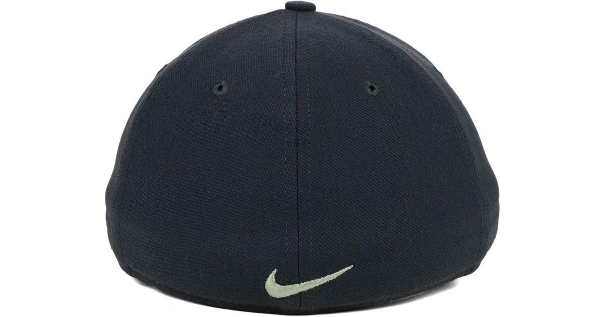 wholesale dealer 27f13 66cc6 Nike Boise State Broncos True Platinum Swooshflex Cap in Gray for Men - Lyst