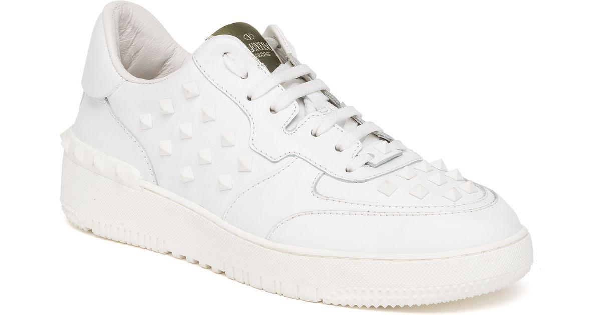 0c3e69227e54 Top Men Leather Sneakers Lyst Low Rockstud In Valentino For White wqxnvfSzI