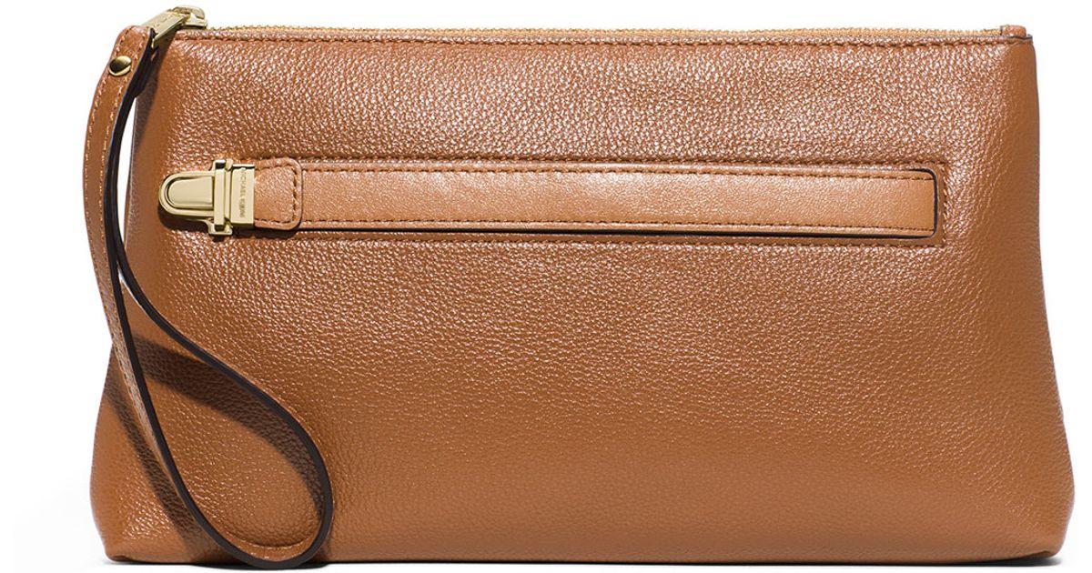 b543d961399d06 MICHAEL Michael Kors Charlton Medium Leather Wristlet Clutch Bag in Brown -  Lyst