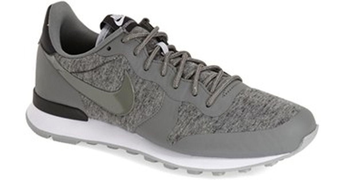 'international' Nike Gray Nike Lyst Sneaker Gray qZ4RPwP